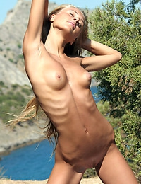 VOLNA A  BY ALAN_ANAR - SUNBATHE - ORIG. PHOTOS AT 3500 PIXELS - © 2006 MET-ART.COM