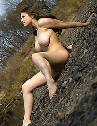 MIA B  BY NUDERO - REMARKS - ORIG. PHOTOS AT 3800 PIXELS - © 2006 MET-ART.COM