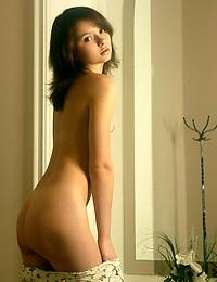 ANNA S  BY NATASHA_SCHON - DIRENIKIS - ORIG. PHOTOS AT 3000 PIXELS - © 2006 MET-ART.COM