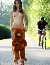 Bear - FREE PHOTO PREVIEW - WATCH4BEAUTY erotic art magazine