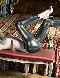 White lady - FREE PHOTO PREVIEW - WATCH4BEAUTY erotic art magazine