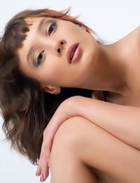Erotic Gal - Naturally Beautiful Amateur Nudes