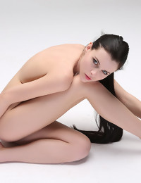 CASTING Valeria - FREE PHOTO PREVIEW - WATCH4BEAUTY erotic art magazine