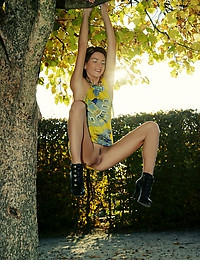 Autumn - FREE PHOTO PREVIEW - WATCH4BEAUTY erotic art magazine