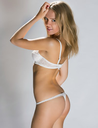 CASTING Valy - FREE PHOTO AND VIDEO PREVIEW - WATCH4BEAUTY erotic art magazine