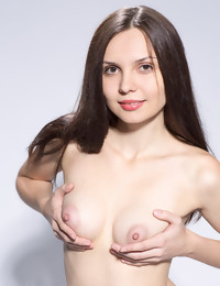 CASTING Yani - FREE PHOTO PREVIEW - WATCH4BEAUTY erotic art magazine