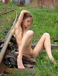 LIZEL A  BY GEORG_SHOES - JORIS - ORIG. PHOTOS AT 3000 PIXELS - © 2006 MET-ART.COM
