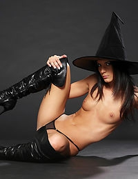 Amandine Witch Craft