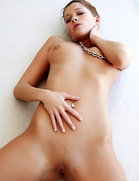 LAETITIA A   BY ERRO - ENTOURAGE - ORIG. PHOTOS AT 5600 PIXELS - © MET-ART FREE GALLERY