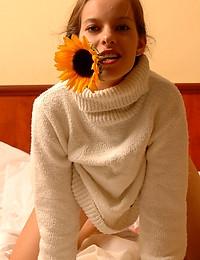 SELENE B  BY SLASTYONOFF - ILKEAS - ORIG. PHOTOS AT 3000 PIXELS - © 2006 MET-ART.COM