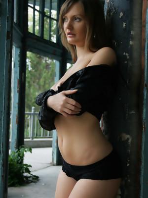 Erotic MILF pics